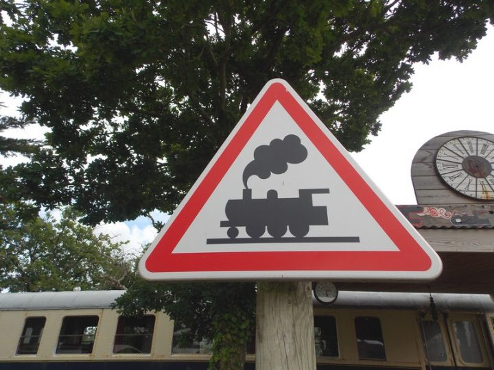 Attention train en vue !